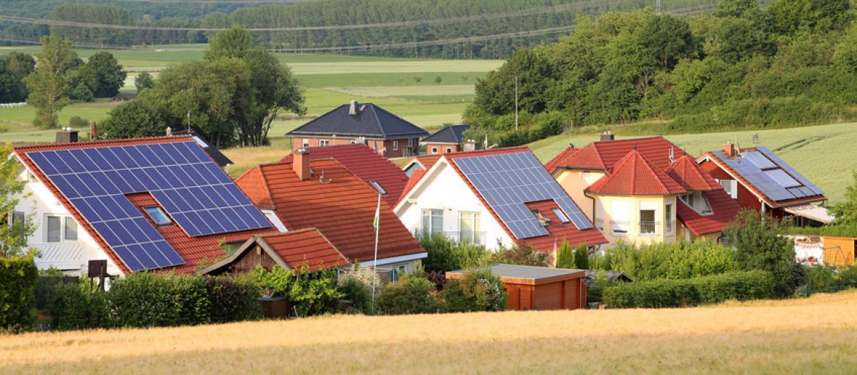 Solaranlagen Für Warmwasser Und Heizung. Solaranlagen